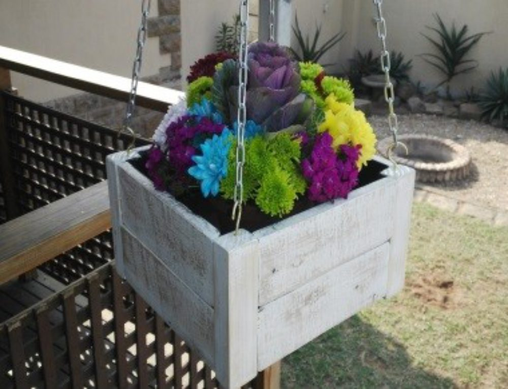 Pallet Craft – Hanging Pot Plant Box